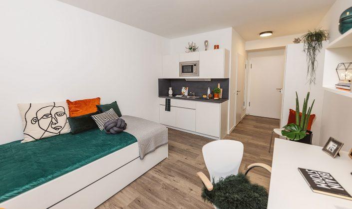 Cube Life, Objekt Hainbase Hannover, Abbildung des Zimmers mit Küchenzeile